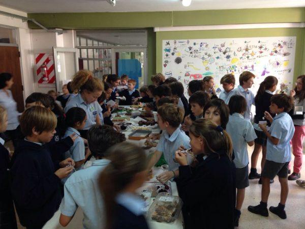 Venta solidaria en la Escuela Escocesa San Andrés