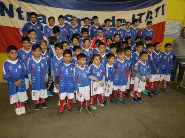 Entrega de equipos deportivos en el Club Ntra. Sra. de Itatí