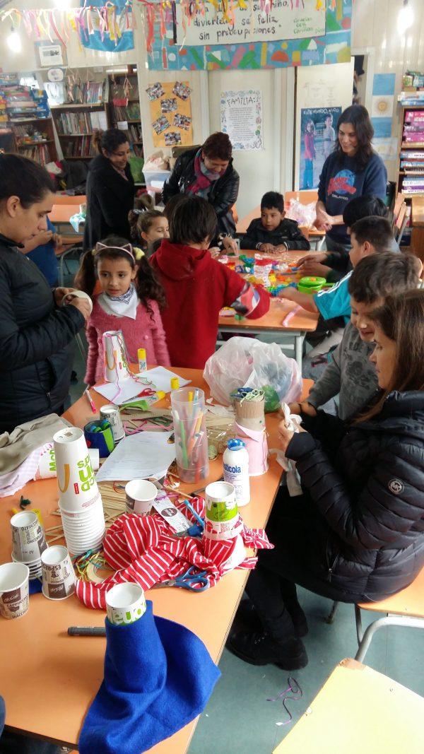 Festejando las vacaciones de invierno en Biblioteca El Ombú