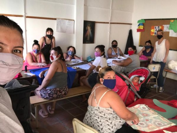 REENCUENTROS - Iniciaron los talleres de madres de la Fundación por el Desarrollo Comunitario San Andrés